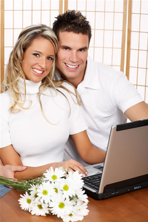 couple-by-computer